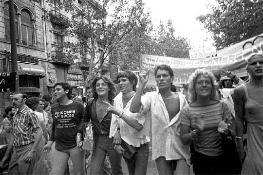PRIMERO MANIFESTACION LGBT ESPANA
